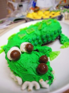 fancy shot of the gator cake